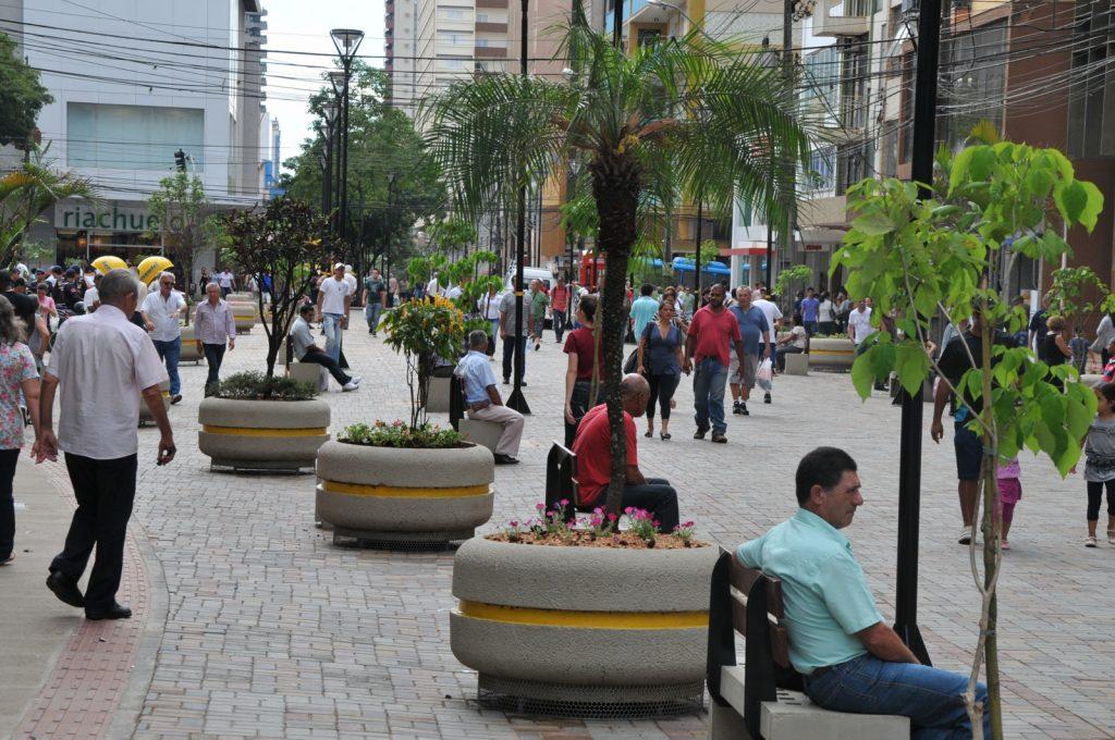 O calçadão é um dos pontos turísticos mais movimentados de Londrina.