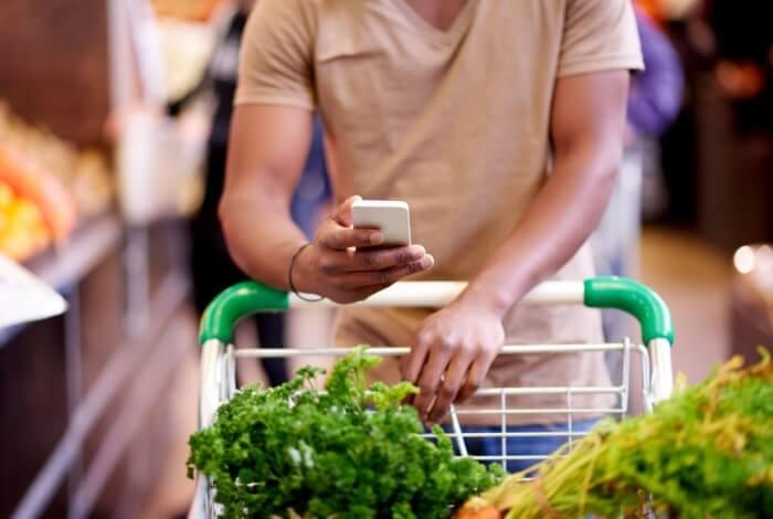 como economizar no mercado - faça uma lista de compras
