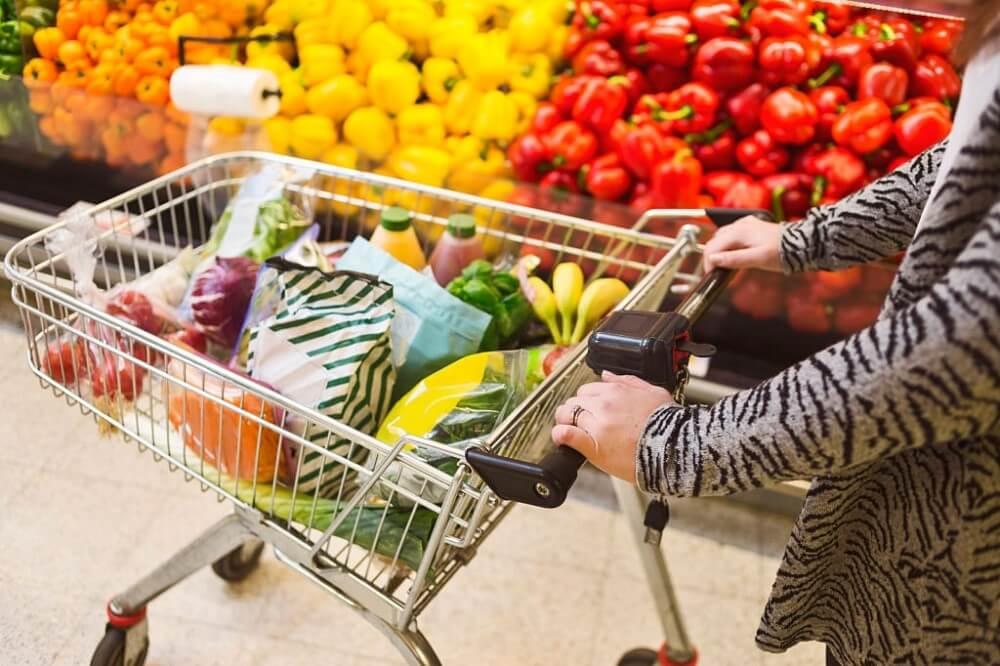 como escolher frutas e verduras - carrinho do mercado