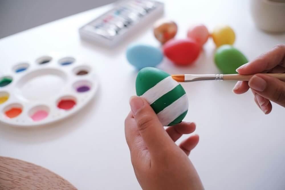 páscoa na empresa - dinâmica de pintura