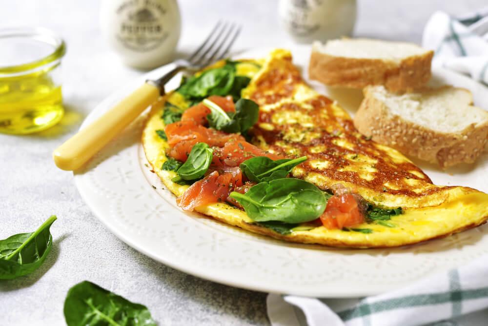 omelete-recheado-feito-na-frigideira