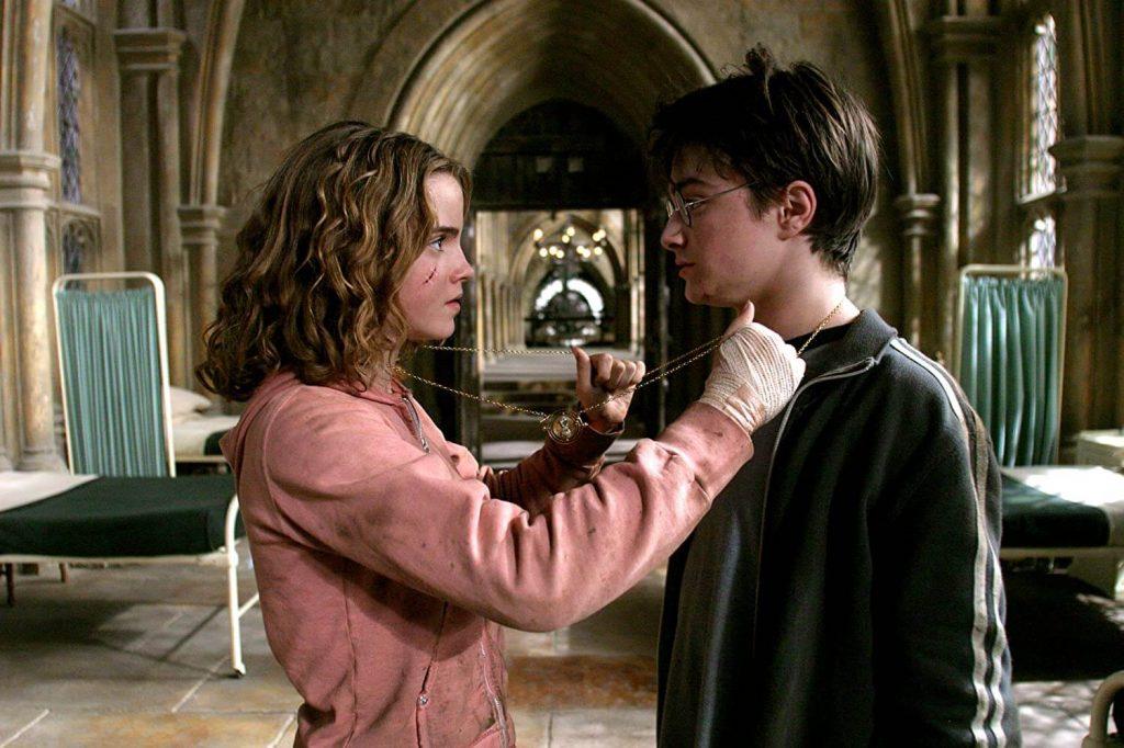 Harry Potter é umaaHarry Potter e Hermione em uma das cenas do terceiro filme.
