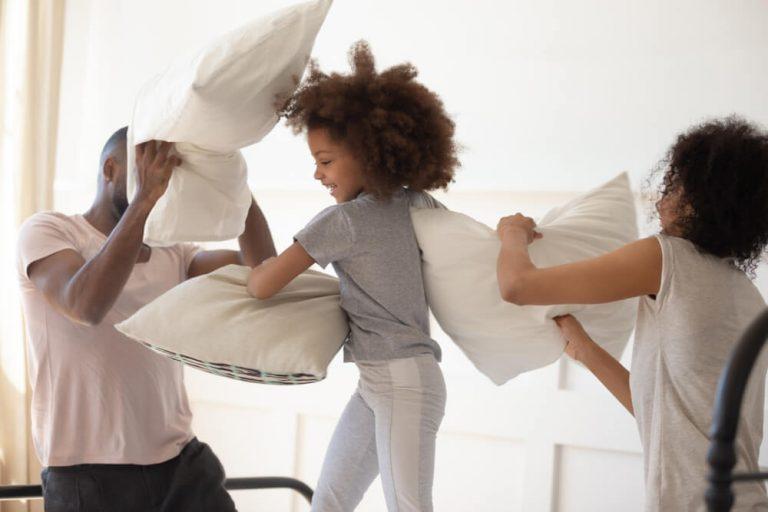 Noite do pijama infantil: como organizar uma para as crianças?