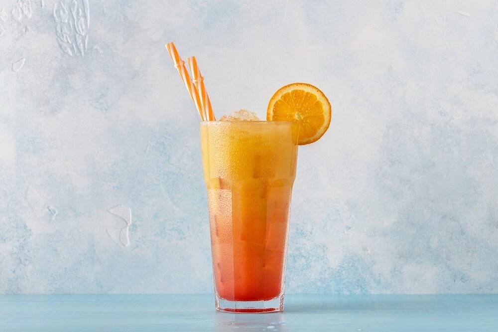Copo com drink sex on the beach